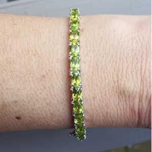 Zilveren armband / bangle gezet met Peridot