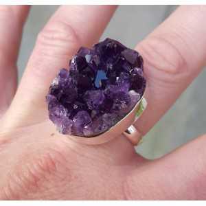 Zilveren ring gezet met ruwe Amethist 19.5 mm