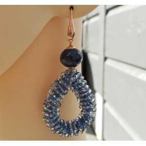 Oorbellen met open druppel van blauwe kristallen en Jade
