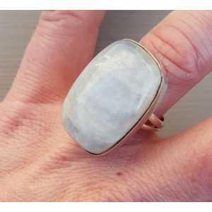 Silber ring set mit einem rechteckigen Regenbogen-Mondstein 17,5 mm