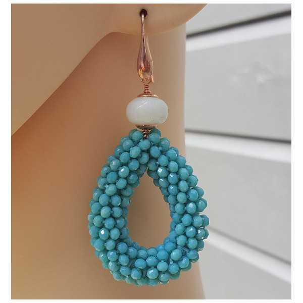 Oorbellen met open druppel van Turkoois blauwe kristallen en Amazoniet