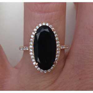 Vergulde ring gezet met ovale Onyx en Zirkonia 16.5 mm