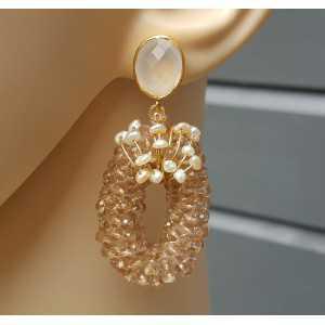 Vergulde oorbellen met wit Chalcedoon, kristallen en Pareltjes