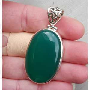 Zilveren hanger gezet met ovale cabochon geslepen groene Onyx