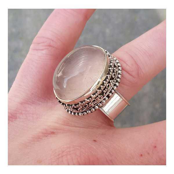 Silber-ring mit ovalem Rosenquarz und geschnitzten Kopf 18 mm