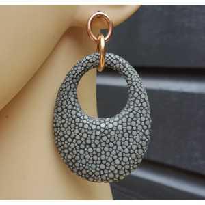 Oorbellen met ovale hanger van grijs Roggenleer