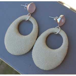 Earrings pink Chalcedony and oval pendant of light cream Roggenleer