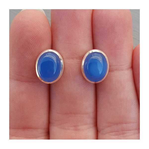 Silver oorknoppen with cobalt blue Chalcedony