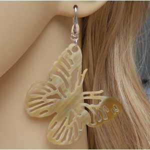 Zilveren oorbellen met vlinder van Buffelhoorn