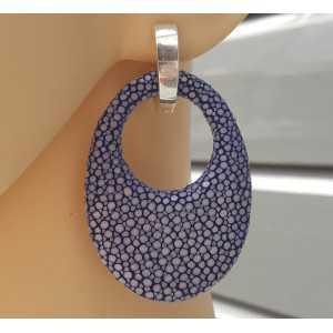 Zilveren creolen met ovale hanger van blauw Roggenleer