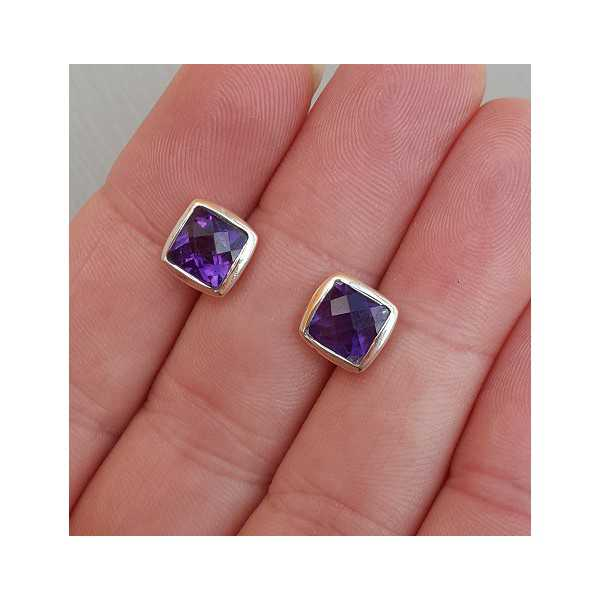 Silver oorknoppen set with square Amethyst