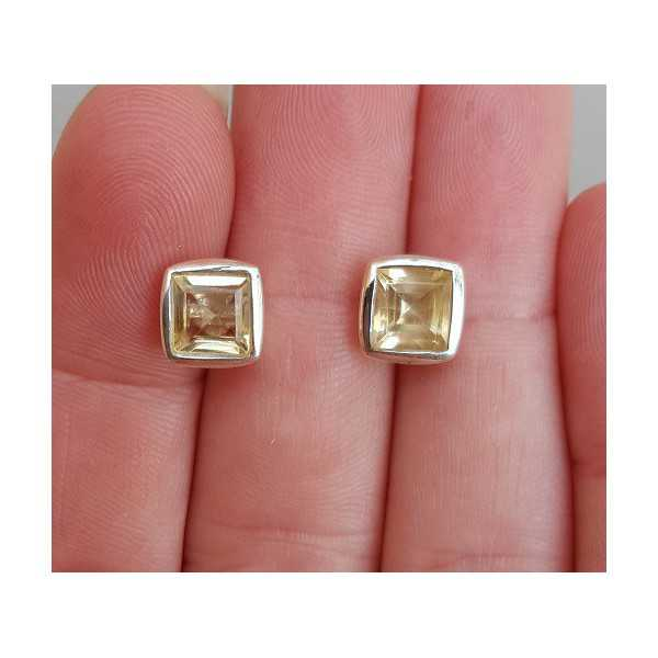 Silver oorknoppen set with square facet Citrine