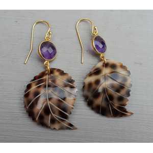 Vergoldete Ohrringe mit Amethyst und Blätter und Schale