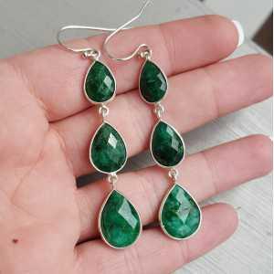 Zilveren oorbellen met drie Emerald druppels