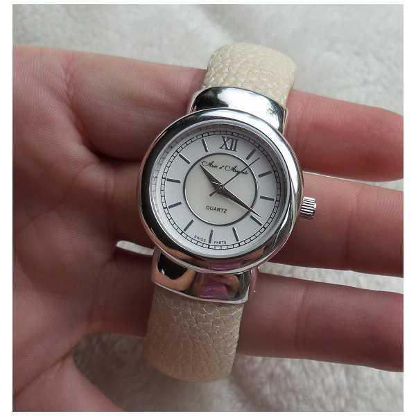 Zilveren horloge / armband van crème Roggenleer