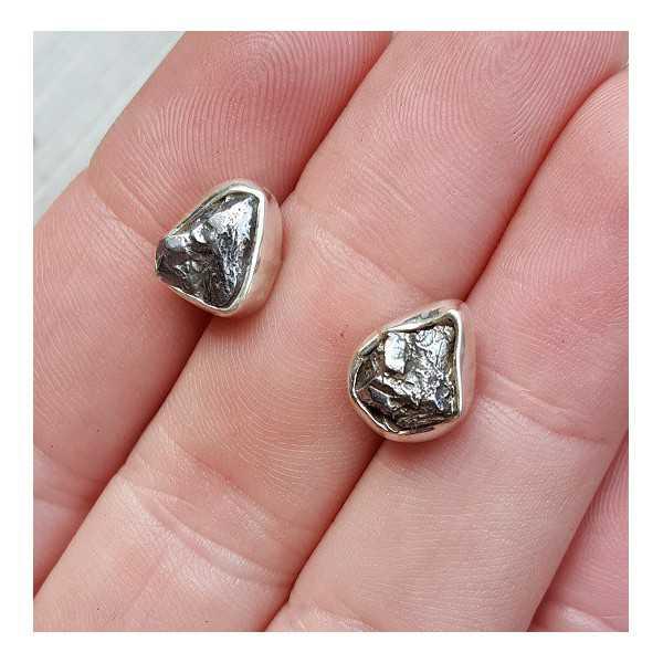 Silver oorknoppen with Meteorite Campo del Cielo