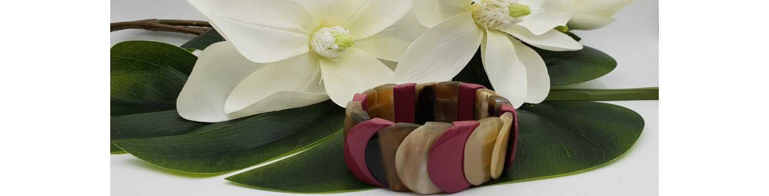 Armbänder mit Büffelhorn