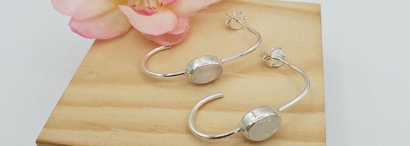 Silberne Edelstein-Ohrringe